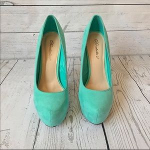 Breckelle's Mint Marisa Pumps